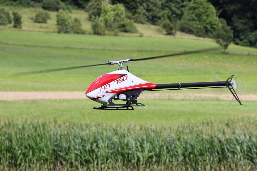 HD 750 mit Pyro 800-40 und Kosmik Cool 200A (12S) - Er fliegt - und wie!