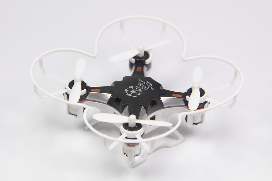 Sbego FQ777-124 Pocket Drone - mit montiertem Prop Guard und Landegestell