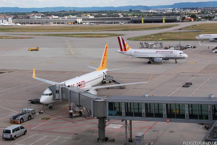 Airport Stuttgart / Boeing 737 Pegasus / Airbus A319 Germanwings / Airbus A320 Eurowings // Juli 2017